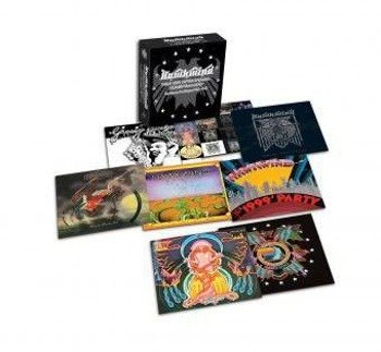HAWKWIND: THIS IS YOUR CAPTAIN SPEAKING… YOUR CAPTAIN IS DEAD 1970-1974 (11CD)